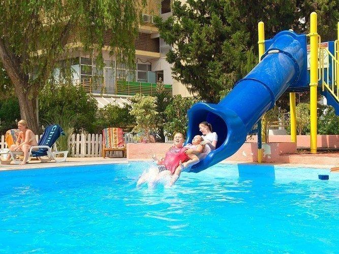Открытый бассейн Отель Magic Villa Benidorm Бенидорме