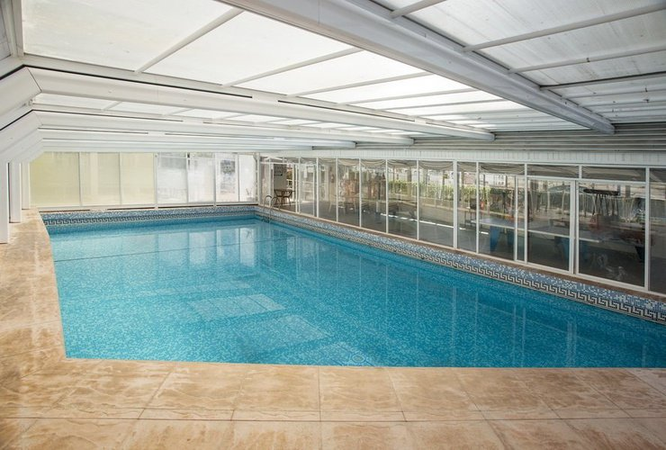 Закрытый бассейн Отель Magic Villa Benidorm Бенидорме